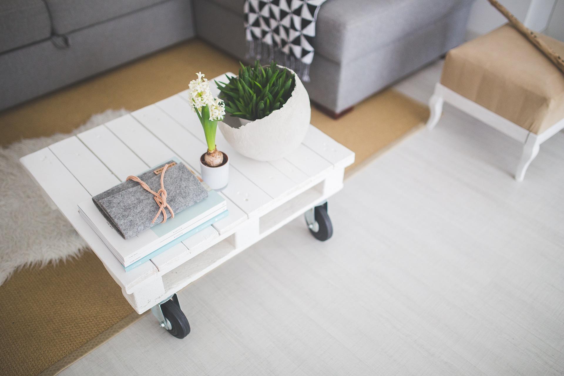 pekný stolík