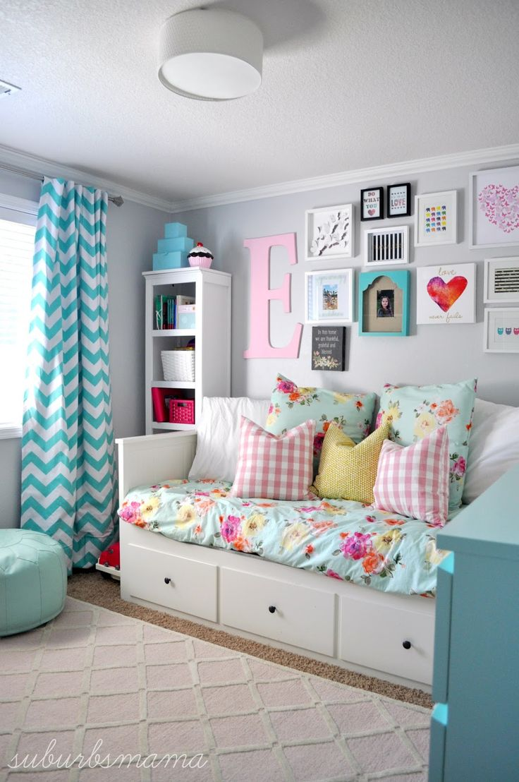e733c04bcf22 veselá dievčenská detská izba s farebnými doplnkami