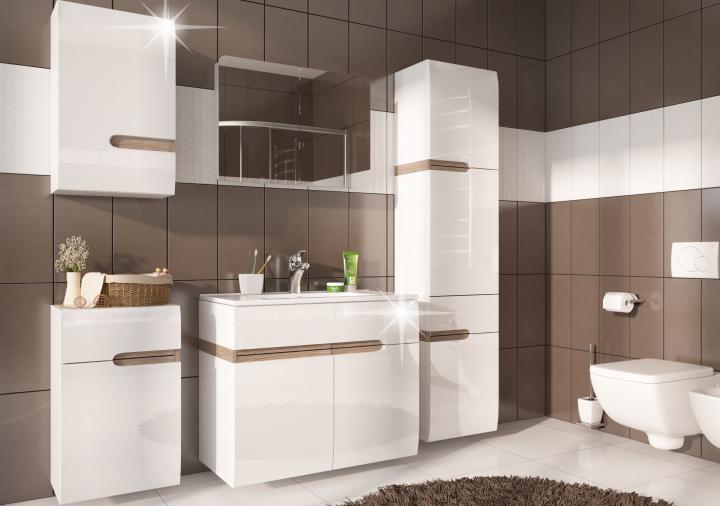 krásna kúpelňa s bielym lesklým nábytkom a hnedými obkladačkami