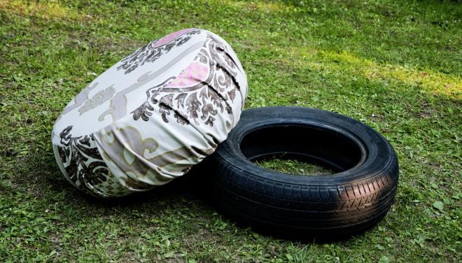 pneumatiky připravené na výrobu taburetů