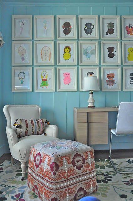 detská izba s obrazmi detských kresieb