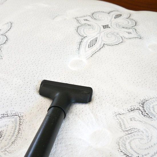vysávanie matraca