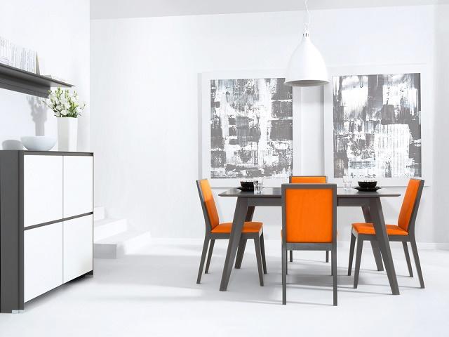elegantná jedáleň s čistými líniami v bielej farbe, kombinovaná s výraznými stoličkami