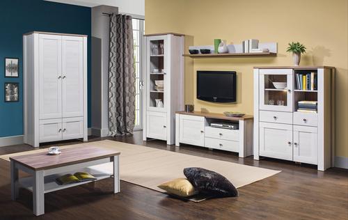tmavá podlaha v kombinácií so svetlým dreveným nábytkom a farebnými stenami