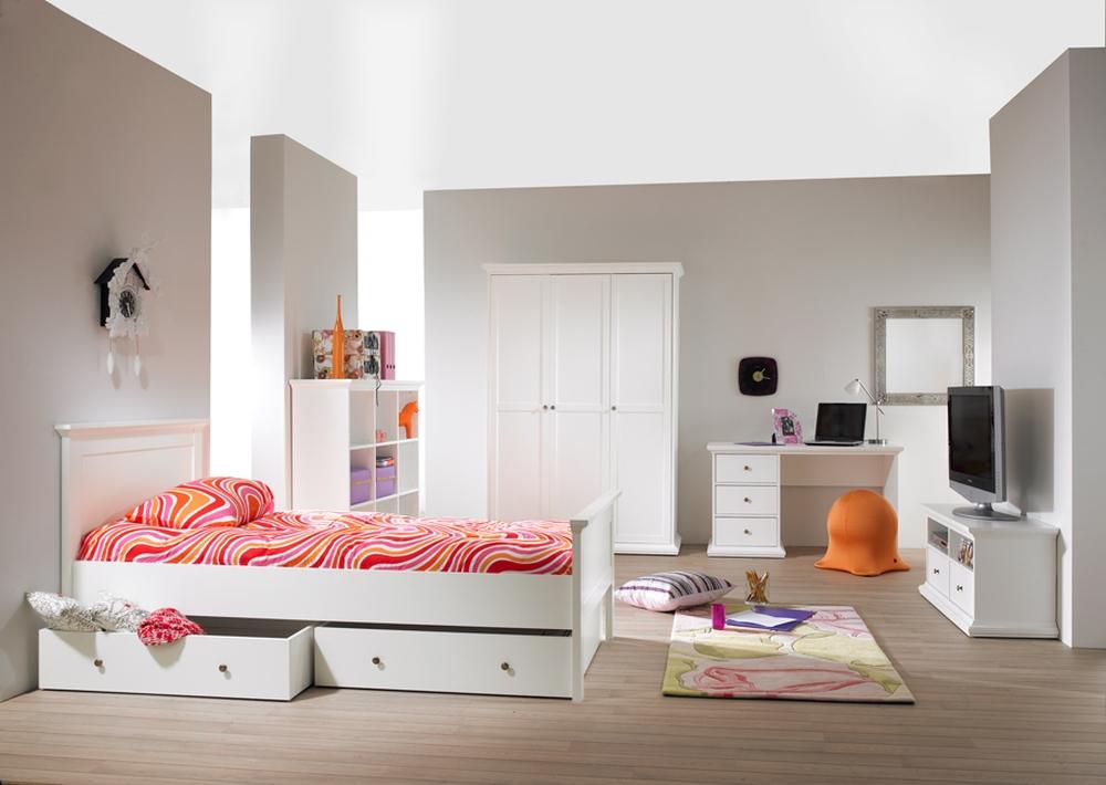 tudentsk izba paris 2 nov n. Black Bedroom Furniture Sets. Home Design Ideas